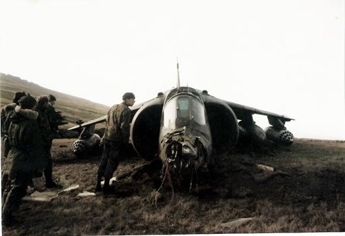 56-harriergr3crashed