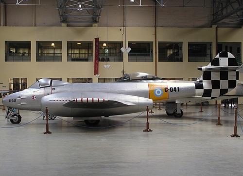 Gloester-Meteor-F4-2
